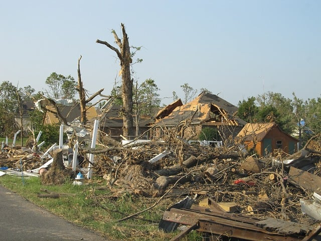 effects of tornadoes on the environment 2